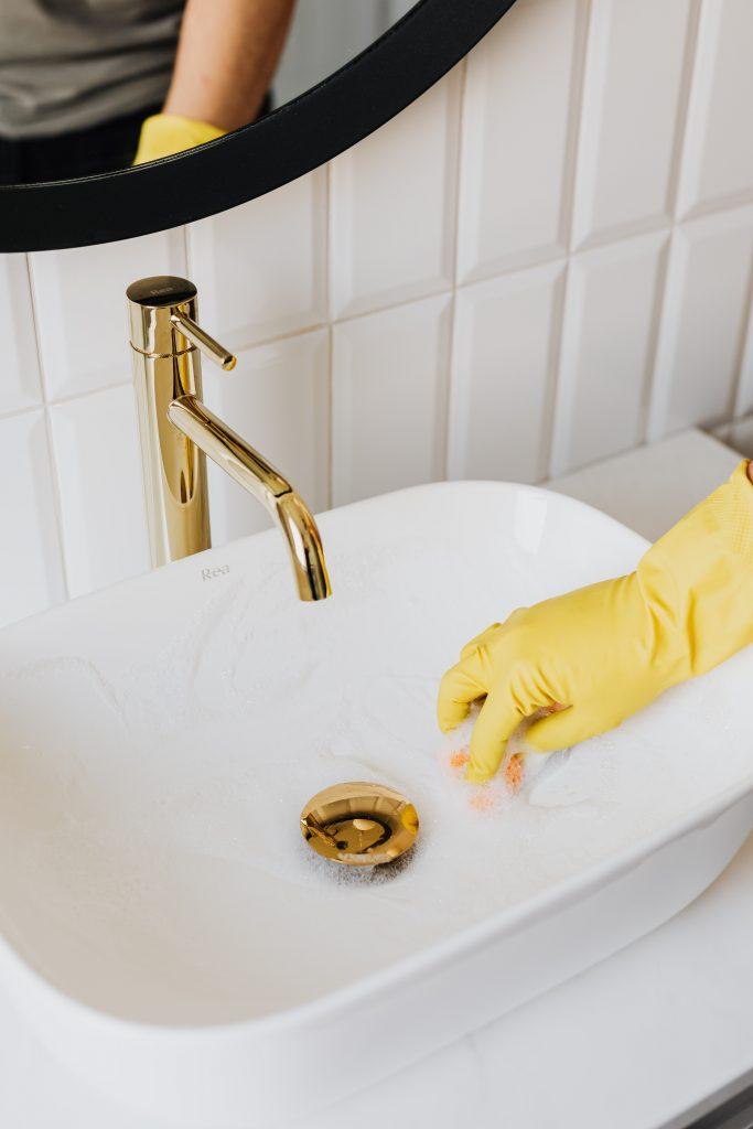 mantenimiento de las red de saneamineto  de la finca